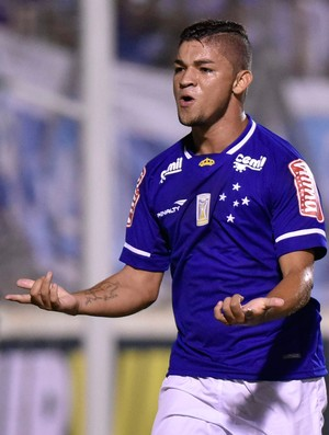 Judivan gol Cruzeiro (Foto: Douglas Magno / Ag. Estado)