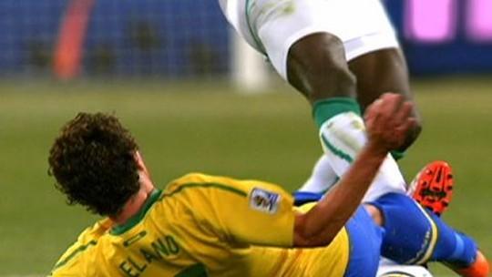 Marfinense ex-Newcastle morre após passar mal em treino na China