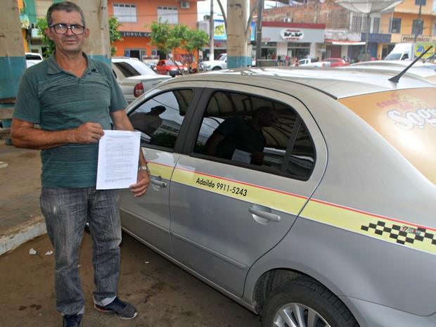 Taxistas comemoram isenção do IPVA em Cruzeiro do Sul  (Foto: Adelcimar Carvalho/G1)