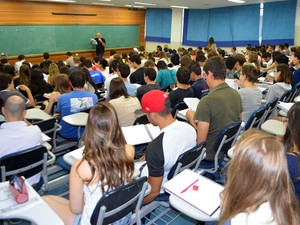 Cerca de 170 estudantes compareceram as aulas preparatórias para Unicamp, em Campinas (Foto: Arthur Menicucci/G1)