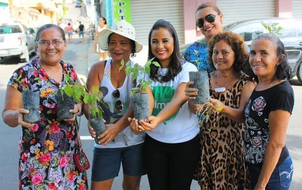 Ruthiene recebeu o carinho do público (Foto: Katiúscia Monteiro/ Rede Amazônica)