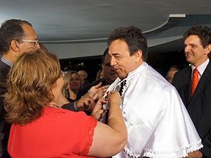 Reitora Marlene Alves deu posse ao novo reitor da UEPB Antonio Rangel Junior (Foto: Taiguara Rangel/G1)