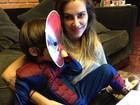 Cleo Pires posa com seu irmão mais novo vestido de Homem-Aranha