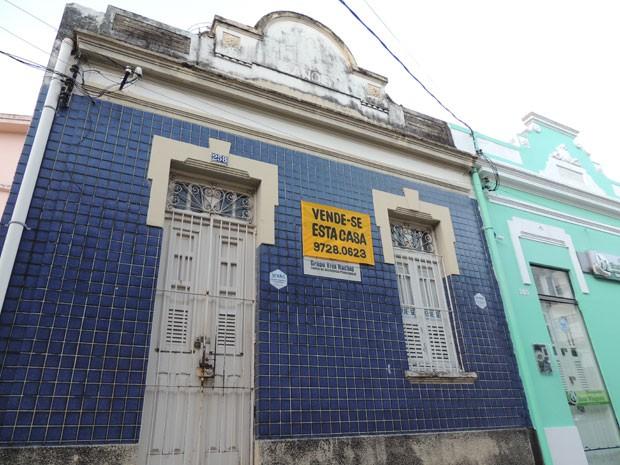 Imóvel onde funcionava o Viva Rachid está à venda para quitar dívidas trabalhistas (Foto: Luna Markman/G1)