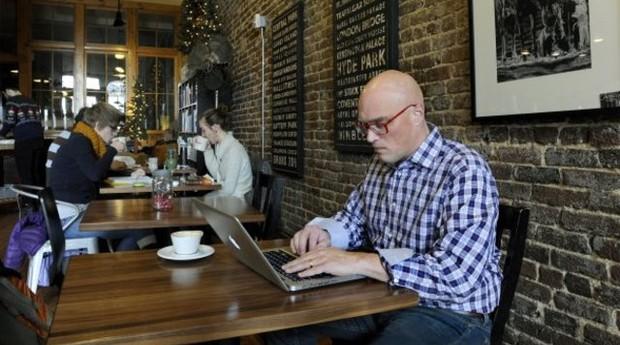 Entregar toda as tarefas dentro do prazo é necessário para o bom desempenho da firma. Em hipótese alguma suas atividades externas poderão trazer impactos negativos aos resultados da startup (Foto: Photopin)