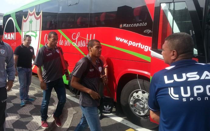 Chegada da Portuguesa na capital (Foto: Marcelo Hazam)