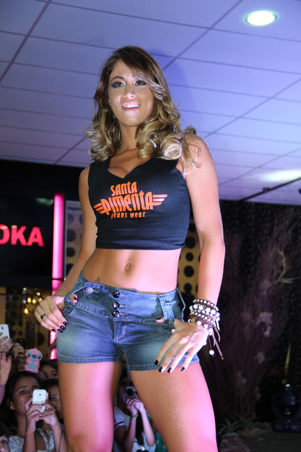 Carol Narizinho participa  de desfiles (Foto: Divugação)
