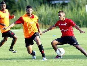 Wallace no treino do Flamengo (Foto: Cezar Loureiro / Agência O Globo)