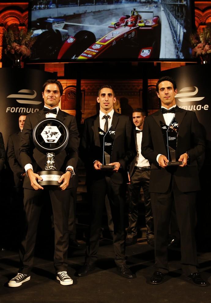 Nelsinho Piquet, Sebastien Buemi e Lucas di Grassi, os três primeiros colocados da temporada 2014/2015 da Fórmula E (Foto: Divulgação)