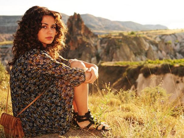 Nanda Costa posa para foto (Foto: TV Globo / João Miguel Júnior)