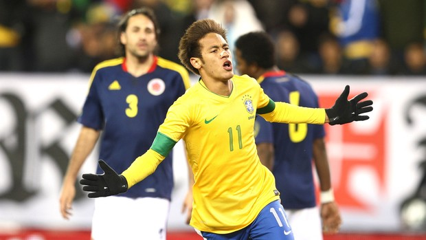 Comemoração do Neymar contra a Colômbia (Foto: Mowa Press)