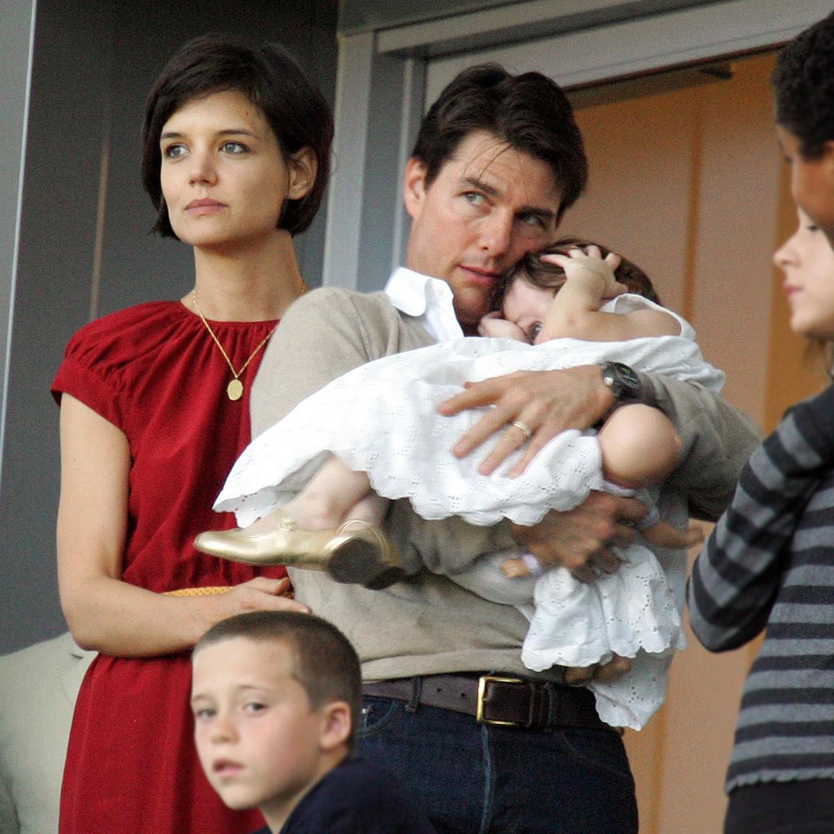 Tom Cruise e Katie Holmes dizem que Suri é uma variação do nome hebreu Sarah - não podia simplificar? (Foto: Getty Images)
