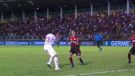 """Márcio Araújo agradece aplausos no Fla: """"Tenho ousado um pouco mais"""""""