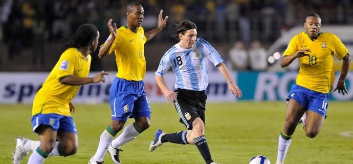 Show do Fenômeno e aplausos a Messi  Brasil x Argentina no Mineirão b9fe62d99fc36