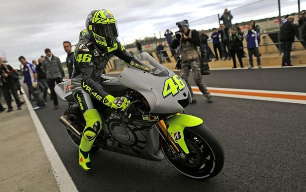Valentino rossi testa nova moto circuito Ricardo Tormo (Foto: Agência EFE)