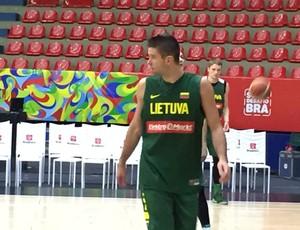Mantas Kalnietis, um dos principais jogadores da Lituânia  (Foto: Thales Soares)