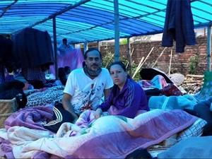 Casal vive sob uma tenda no Nepal  (Foto: Julio Cesar Vertullo / Arquivo Pessoal)