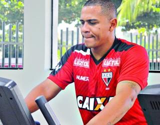 Walter, atacante do Atlético-GO (Foto: Comunicação/Atlético-GO)
