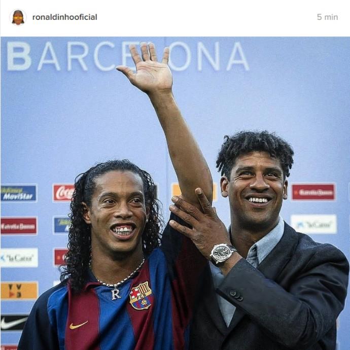 """BLOG: Ronaldinho parabeniza aniversariante Rijkaard e diz:  """"Melhor treinador que tive"""""""