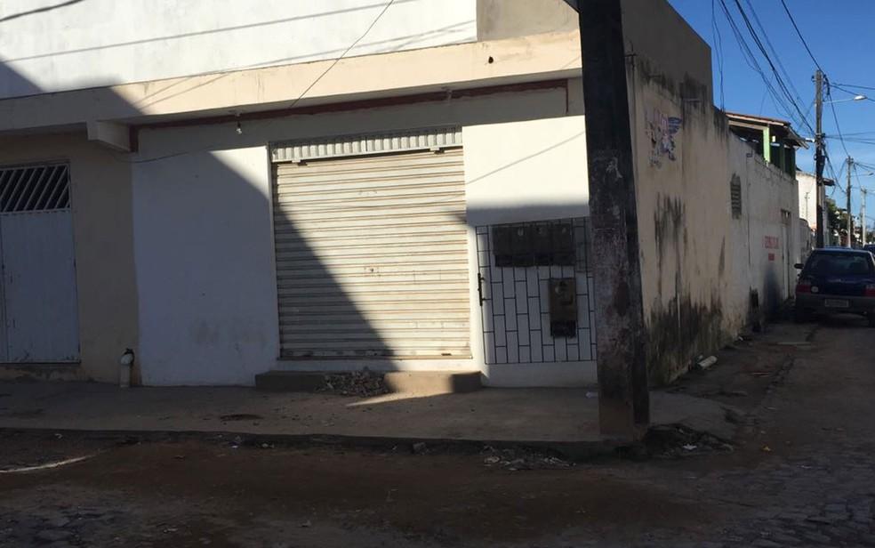 PM foi morto dentro de lanchonete em Ilhéus (Foto: Francisco Lopes / TV Santa Cruz)