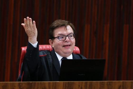 O relator do processo de cassação da chapa Dilma-Temer no TSE, ministro Herman Benjamin (Foto: Ailton de Freitas/Agência O Globo)