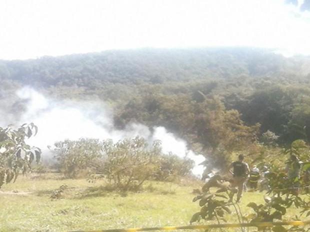 Avião cai e mata dois em Divinópolis (Foto: G1/G1)