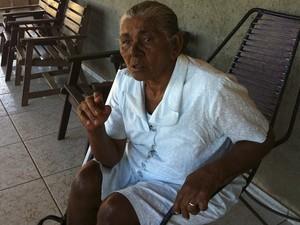 Avó está abalada com a notícia (Foto: Caroline Holder/G1)
