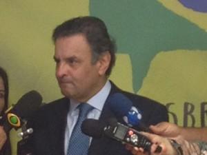 O senador Aécio Neves, após o encontro com dirigentes regionais do partido (Foto: Priscilla Mendes/G1)