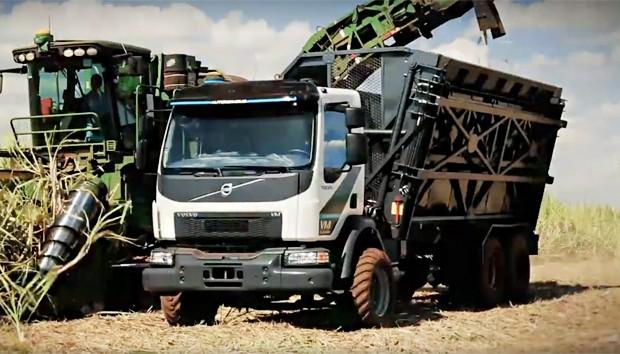 Volvo apresentou o primeiro caminhão autônomo do Brasil (Foto: Reprodução/Facebook)