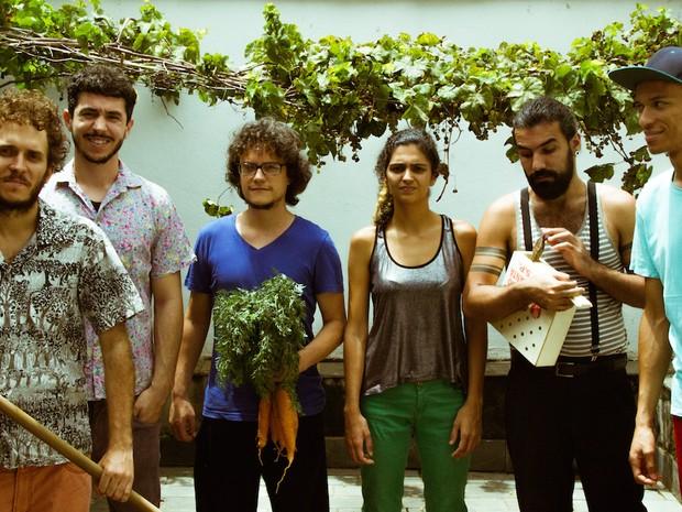 Graveola & O Lixo Polifônico (Foto: Henrique Bocelli/Divulgação)
