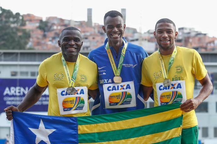 Codó e Rodrigo Pereira vão ao pódio do Troféu Brasil  (Foto: MARCELLO ZAMBRANA/CBAT)