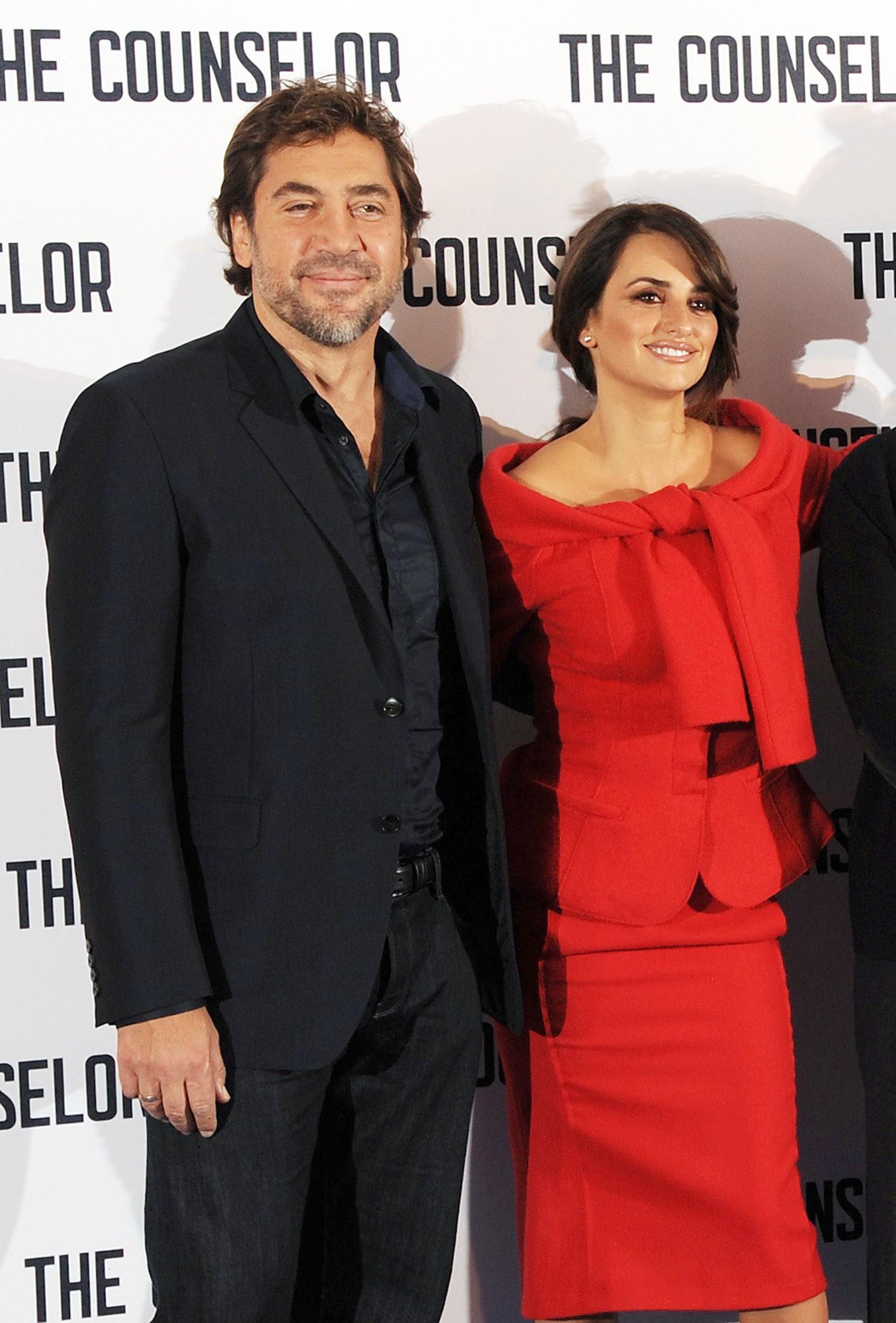 Penélope Cruz e Javier Bardem casaram-se em Julho de 2010 na casa de um amigo nas Bahamas. O vestido da atriz foi feito pelo estilista John Galliano. (Foto: Getty Images)