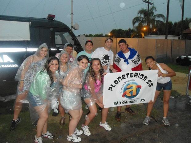 Grupo de São Gabriel leva faixa para o Planeta Atlântida (Foto: Jonatas dos Santos/Arquivo pessoal)