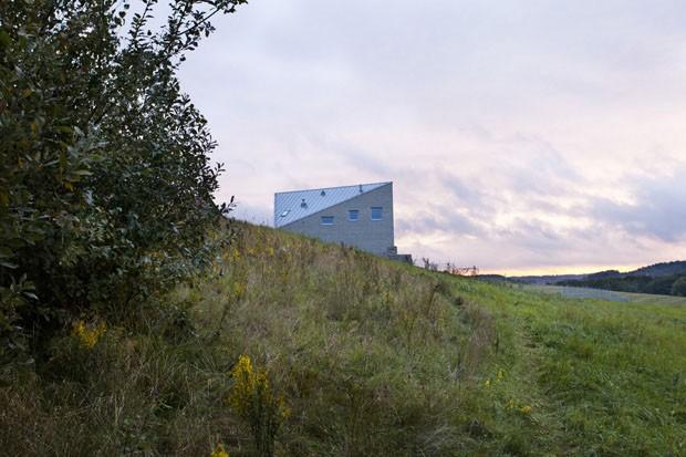 Um celeiro inusitado (Foto: Bartek Arendt/ Divulgação)