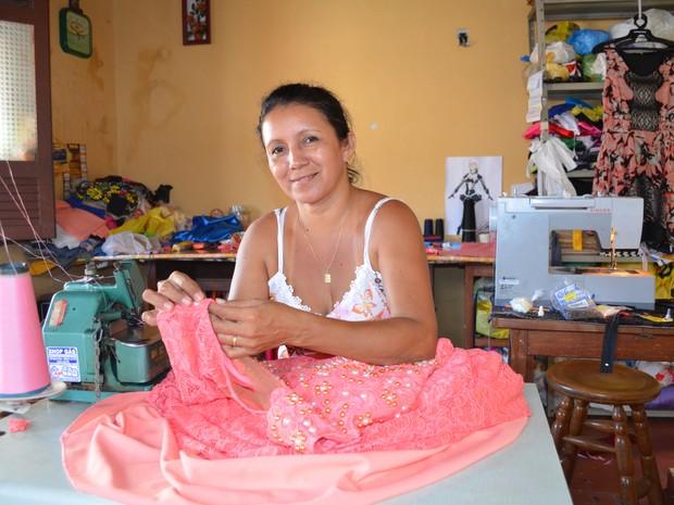Rosângela Corrêa vai deixa de frequentar as rodas de samba por 40 dias (Foto: Adonias Silva/G1)