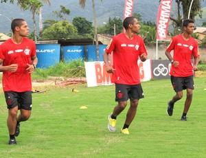João Paulo, Elias e Gabriel, Flamengo (Foto: Richard Souza)