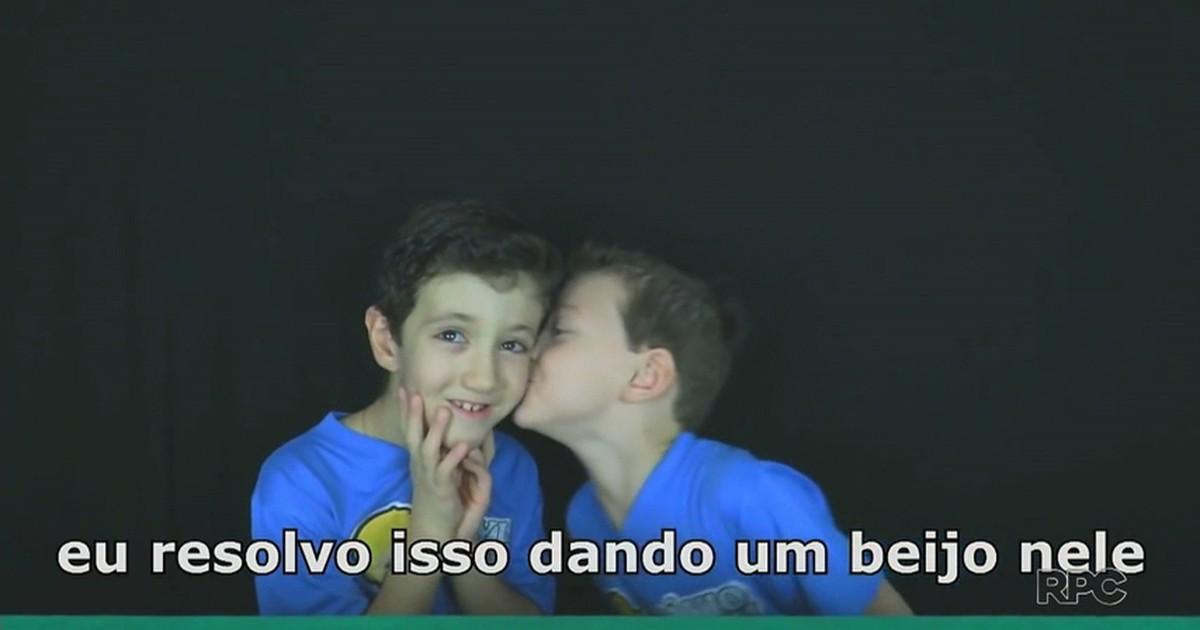 Resultado de imagem para Irmãos de Maringá fazem sucesso na internet com vídeos sobre autismo