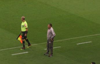 """Roth vê partida """"praticamente perfeita"""" em vitória dedicada ao grupo do Inter"""