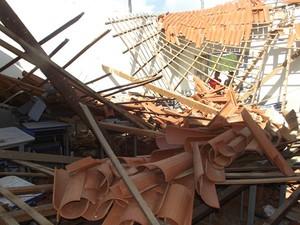 Sala ficom completamente destruído  (Foto: Valter Lima/Tapuionoticias)