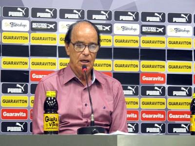 Novo gerente de futebol, Antônio Lopes é apresentado no Botafogo (Foto: Marcelo Baltar)