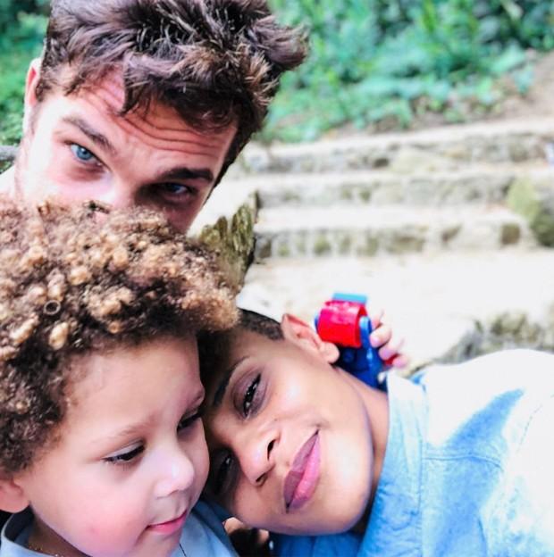 Igor Rickli e Aline Wirley aparecem juntos de filho Antonio  (Foto:  Reprodução/Instagram)