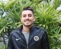 """Futuro incerto, colegas dos """"games"""" e boa fase: vida de Alex Telles na Europa"""