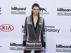 Veja o estilo dos famosos no tapete vermelho do prêmio 'Billboard Music Awards'