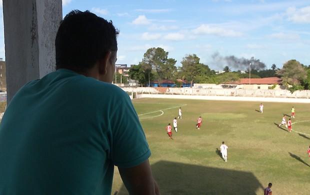 Jazon Vieira observa time do Auto Esporte (Foto: Reprodução/TV Cabo Branco)