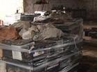 Baterias usadas são apreendidas em depósito irregular em Foz do Iguaçu
