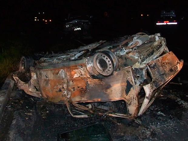 Acidente na BR-101, Teixeira de Freitas, Bahia (Foto: Site Teixeira News)