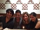 Zezé Di Camargo comemora aniversário com os filhos