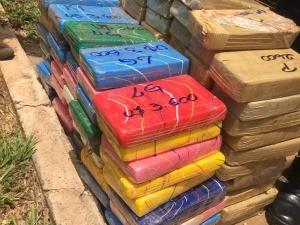 Polícia Civil apreende 71 kg de cocaína e 52 kg de crack em rodovia de MS (Foto: Divulgação/Polícia Civil)