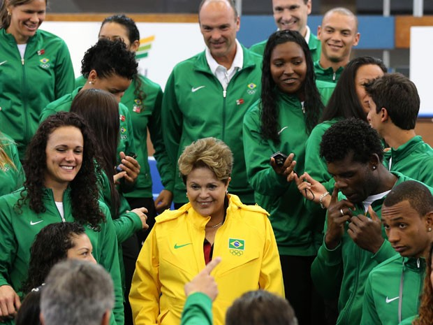 Dilma se encontra com atletas brasileiros em Londres (Foto: Reuters)