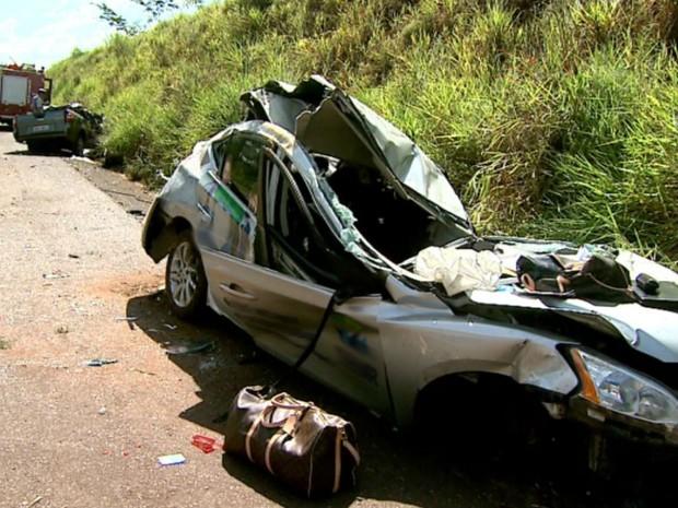 Mulher morreu em acidente na Rodovia Abrão Assed, em Serrana, SP (Foto: Reprodução EPTV)